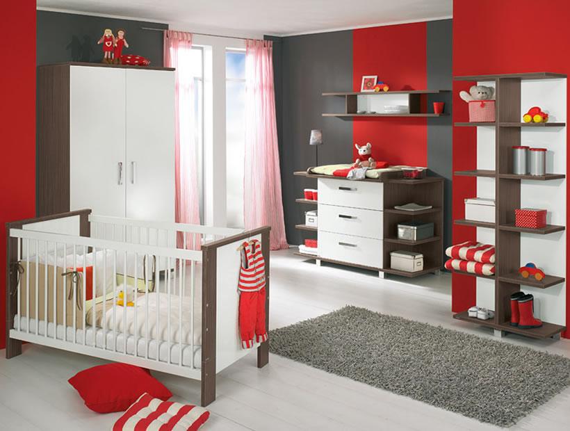 Kırmızı, siyah ve beyazın harmanlandığı modern bebek odası fikirleri.
