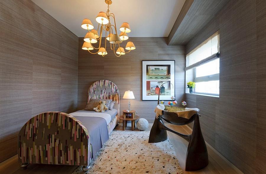 Bu çağdaş bebek odasına farklı bir boyut ekleyen şeylerden biri de kullanılan kumaş.
