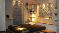 Dekoratif Taş Elementleriyle Güzel Bir Yatak Odası, Milan 2010