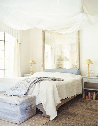 aynalari-yatak-basligi-olarak-kullanmanin-yolu-4