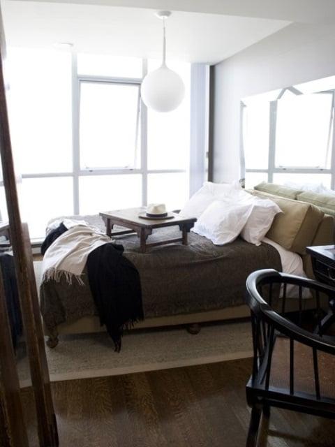 stil-sahibi-erkekler-icin-yatak-odasi-tasarimlari-34