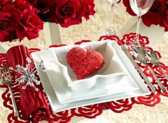 sevgililer-gunu-icin-23-farkli-ve-romantik-masa-tasarimi-7