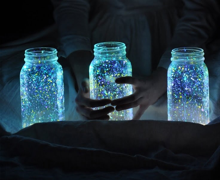Yourself-Made Glowing Jars: Make the Perfect Night Lamps!