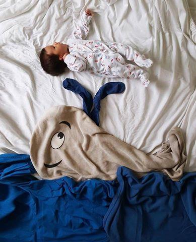annesinin-minik-bebegi-icin-yaptigi-sirin-mi-sirin-fotograf-cekimi-1