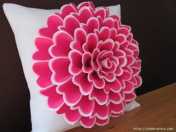 kece-ile-ortaya-cikan-dekoratif-yastiklar-7