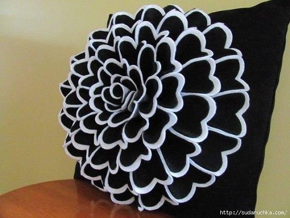 kece-ile-ortaya-cikan-dekoratif-yastiklar-8