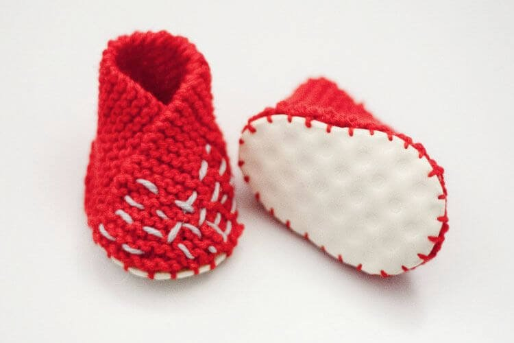 Hot Knit Baby Shoe Making