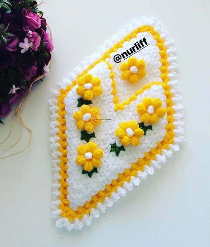 29. Sarı Çiçeklerle Süslenen Lifler