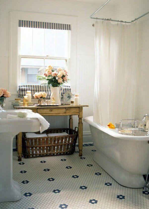 14. Banyoda zemin fayansları ve mobilyalardan yararlanın.