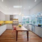 27-Aydınlık ve Geniş Bir Mutfak