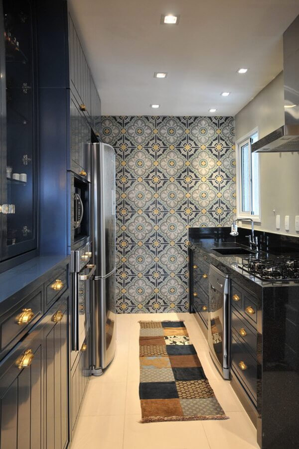 8-Dar ve Siyah Hakimiyetinde Modern Bir Mutfak Tasarımı